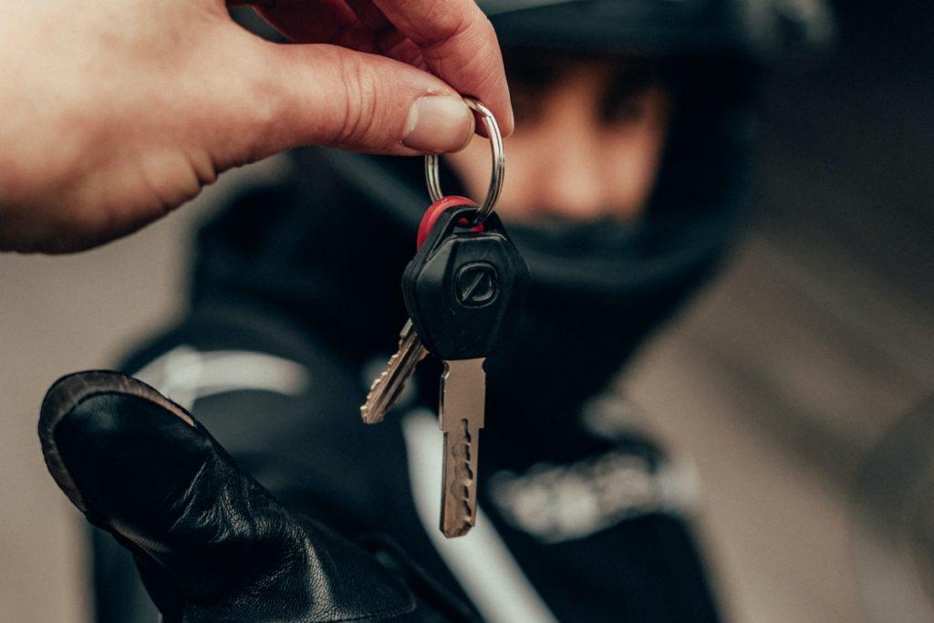 レンタルバイクの保険と補償比較:バイクを貸す