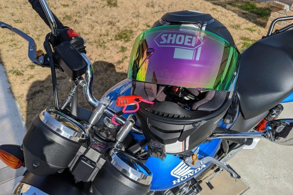 ヘルメットロックが使えない方必見!キジマ ヘルロックアシスト:鍵とワイヤー