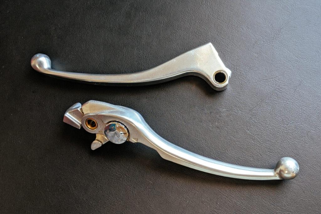これだは持っておきたい!ロングツーリングに携行するべき道具:ブレーキレバー・クラッチレバー