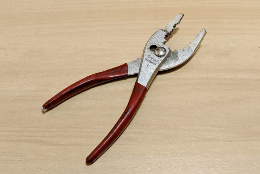 緊急時に役立つ!ツーリングに必ず携行するべき工具たち:プライヤ