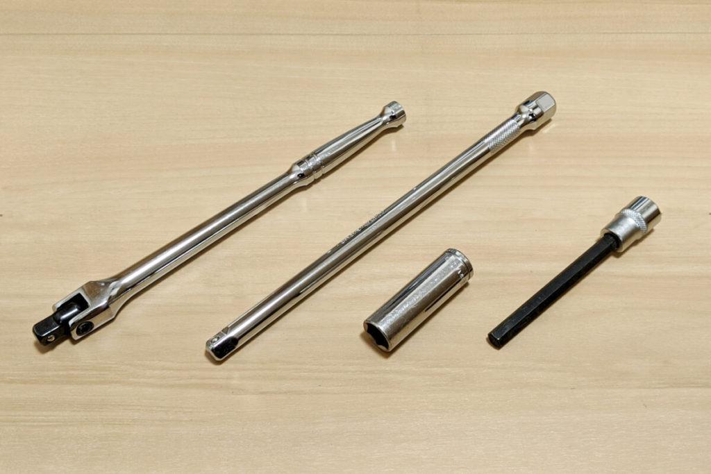 緊急時に役立つ!ツーリングに必ず携行するべき工具たち:スピンナハンドル・エクステンション・ソケット