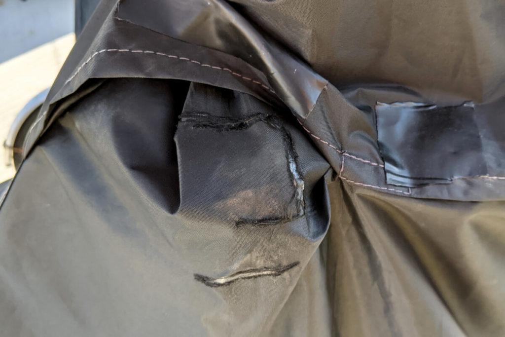 【破れたバイクカバー】捨てる前に!おすすめの補修剤と補修方法:バイクカバー補修後2