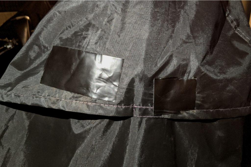 【破れたバイクカバー】捨てる前に!おすすめの補修剤と補修方法:バイクカバー補修後1