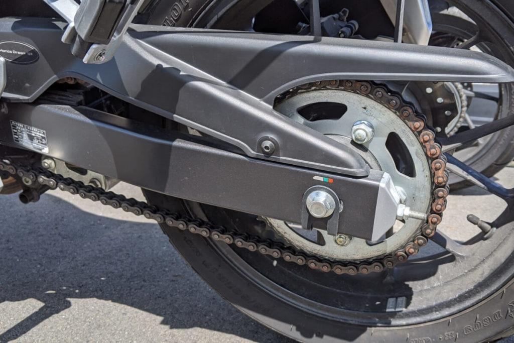 バイクの性能低下を招く!チェーンにできたサビを落とす方法:メンテナンス前