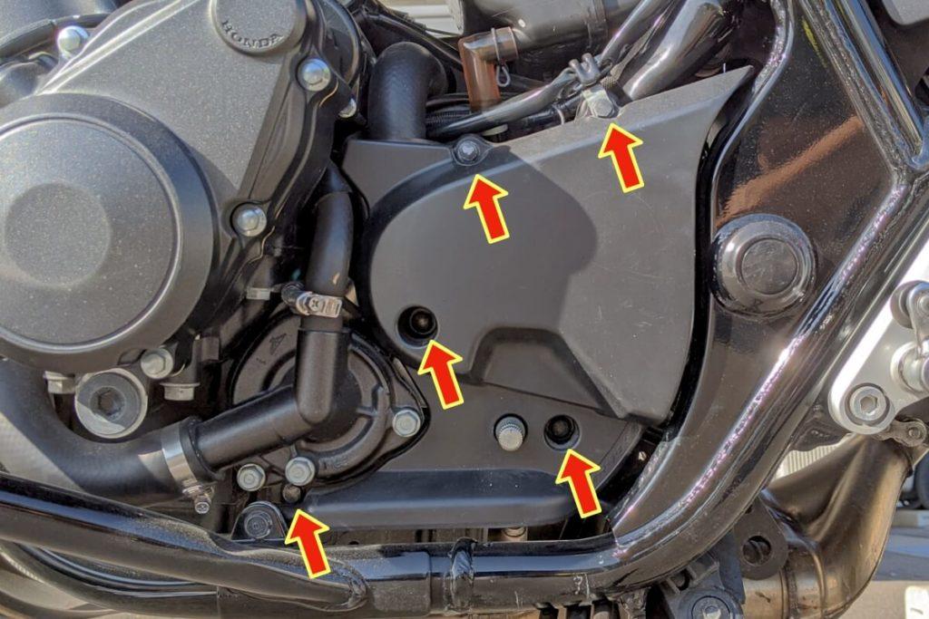 CB400SFフロントスプロケットの掃除:5本のボルトを外す